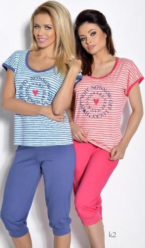 Голубая футболка и синие бриджи Simona L