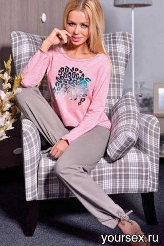 Розовая футболка и серые штаны Oksana L